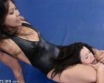 Female Wrestling Headscissors